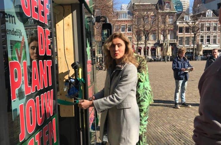 Vera Bergkamp initiatiefwet d66 wietwet staatswiet achterdeur coffeeshops regulering