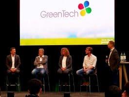 Foto van het panel tijdens de vragensessie na de presentaties bij GreenTech 2021